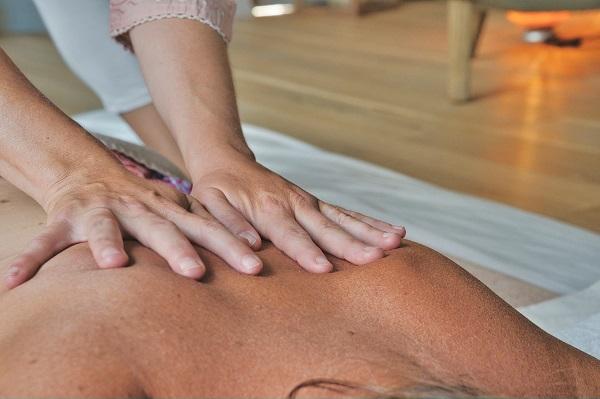You are currently viewing Τι είναι το Nuru Massage – Πως Γίνεται